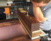 Как сделать стол из дерева своими руками13