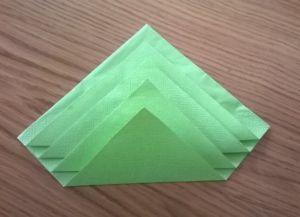 Как сложить бумажные салфетки для сервировки стола 11