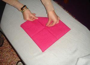 Как сложить салфетки для сервировки стола 9