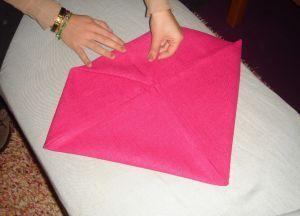 Как сложить салфетки для сервировки стола 4