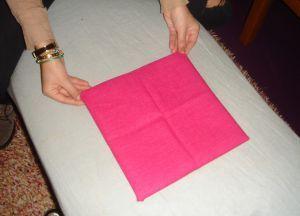 Как сложить салфетки для сервировки стола 8