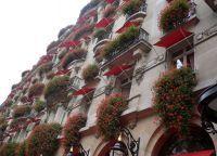 Как украсить балкон своими руками13