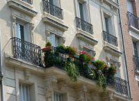 Как украсить балкон своими руками14