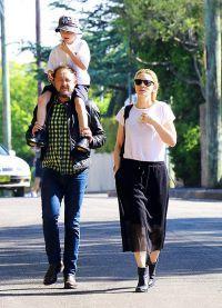 Кейт Бланшетт с мужем и младшим сыном
