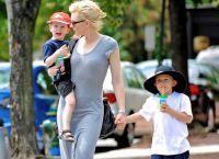 Кейт Бланшетт с детьми в Вашингтоне