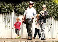 Кейт Бланшетт с мужем и детьми