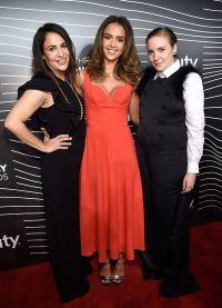 Jessica Alba Jenny Kohner și Lena Dunham