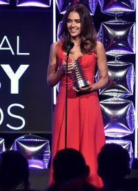 """Jessica Alba a câștigat premiul pentru """"antreprenor de succes al anului"""""""