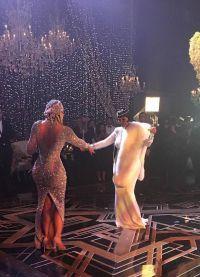 Chloe Kardashian dansează cu mama