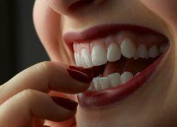 рушат зъбите, които правят