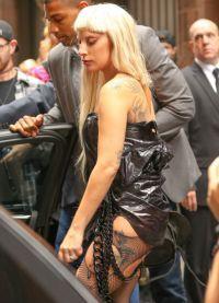 Неделе высокой моды Леди Гага в центре внимания