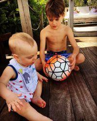 Братья отлично ладят друг с другом Сыновья актрисы Сэйлор Джин и Майло