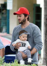 Мила считает Эштона лучшим отцом