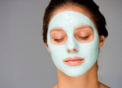 маска с голубой глиной от прыщей