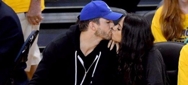 Мила Кунис и Эштон Катчер под прицелом Kiss Cam