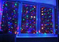 Новогодние украшения на окна8
