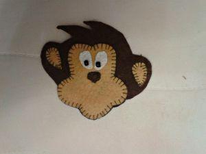 обезьянка магнит из фетра 10