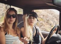 Леди Гага получила водительские права