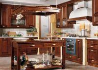 Оформление кухни в частном доме3