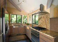 Оформление кухни в частном доме6