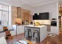 Оформление кухни в частном доме7
