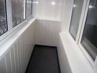 Отделка балкона вагонкой1