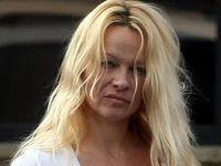 Pamela Anderson fara machiaj 10