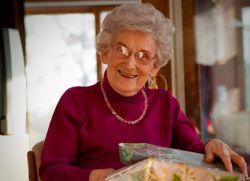 подарок бабушке на 80 лет