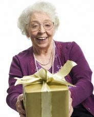 что подарить бабушке на юбилей