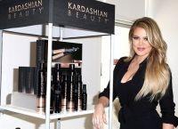 mărfuri Kardashian publicitate fără tragere de inimă