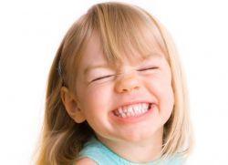 Смена молочных зубов у детей