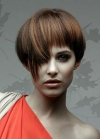 Стрижки на короткие волосы 2013 6