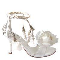 Свадебные босоножки на высоком каблуке