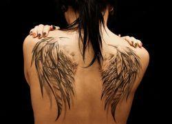 тату крылья значение