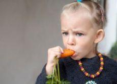 почему крошатся зубы у детей