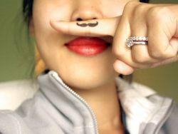Усы у девушек – как избавиться?