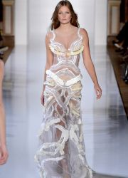 Вечерние платья от Юдашкина 2013