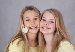брекеты на зубы виды