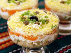 Вкусный салат из печени трески