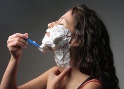 Волосы на подбородке у женщин – причины