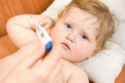 Высокая температура у ребенка и холодные конечности