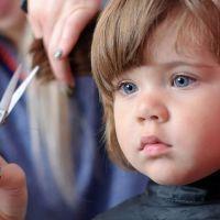 Зачем детей стригут в год?