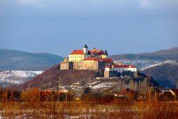 Замок алькасар в украине