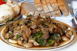 Жаркое из свинины с грибами в мультиварке