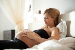 Желтые выделения во время беременности
