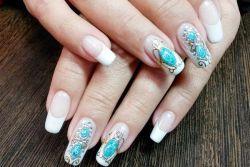 «Жидкие камни» на ногтях