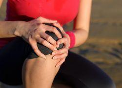 Жидкость в коленном суставе – лечение народными средствами