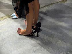Жмут туфли — как растянуть?