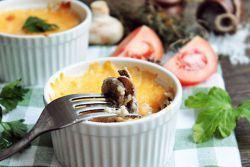 Жульен с курицей и грибами - классический рецепт