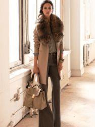 Зимнее драповое пальто с меховым воротником